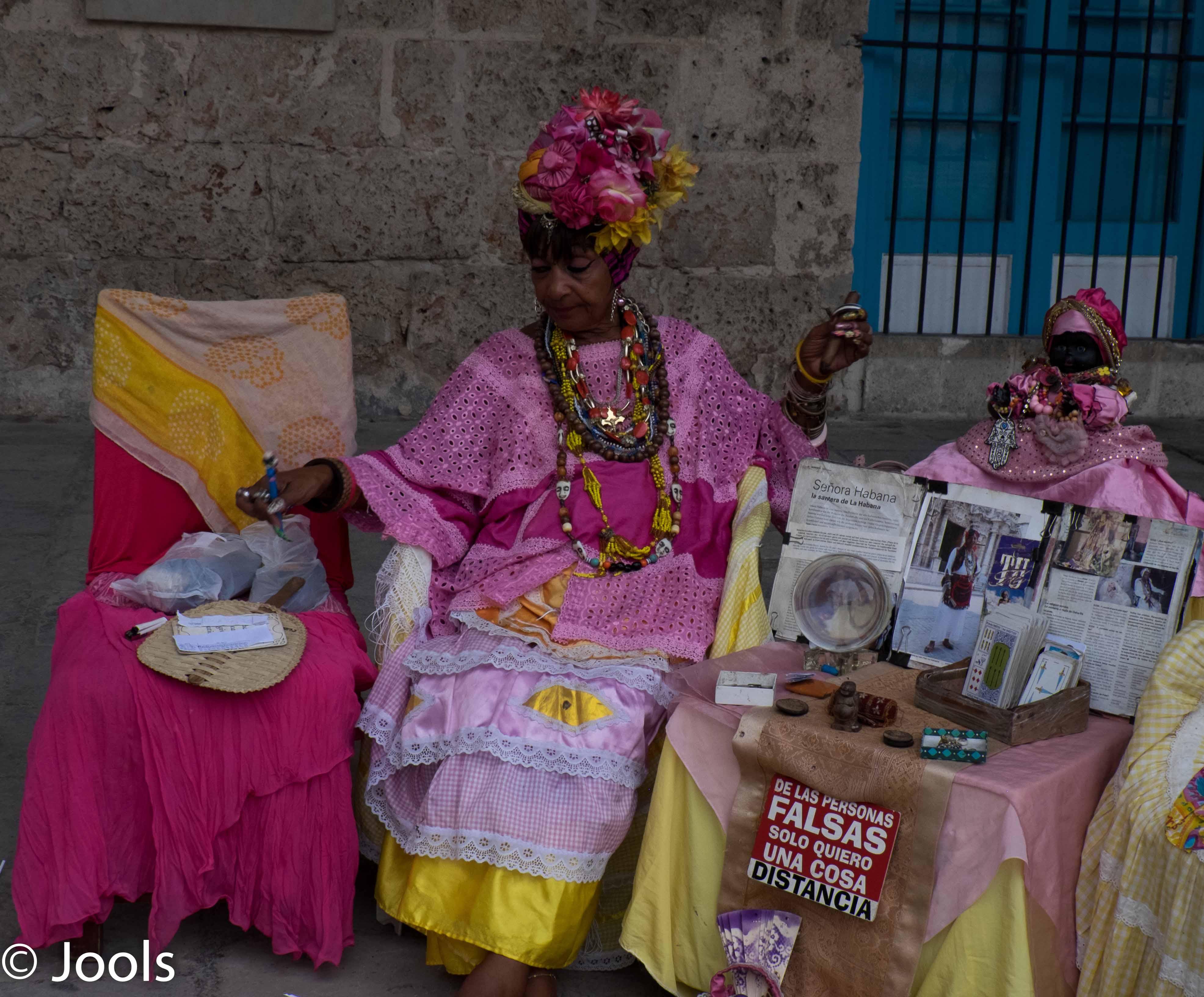Havana Spotdoll & mistress lowres
