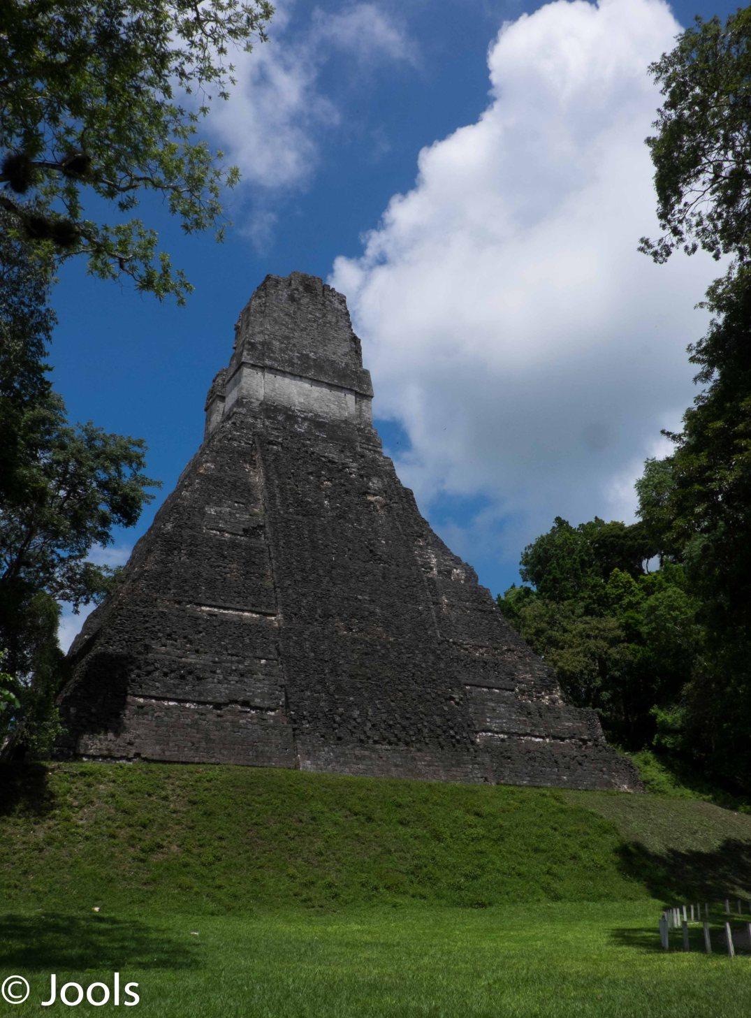 Tikal pyramid lowres